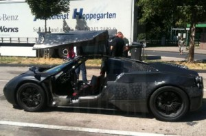 1205005481743301847 300x199 Pagani C9 Caught with gullwing doors open production delayed
