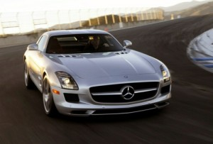 3175358 300x203 Mercedes SLS AMG started development as next gen Dodge Viper