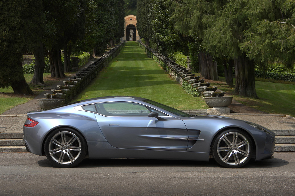 2011 aston martin one 77 photos price specifications reviews. Black Bedroom Furniture Sets. Home Design Ideas
