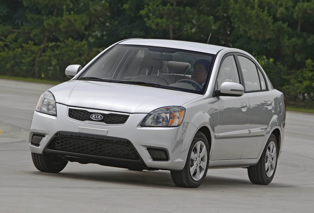 2011 kia rio photos price specifications reviews. Black Bedroom Furniture Sets. Home Design Ideas
