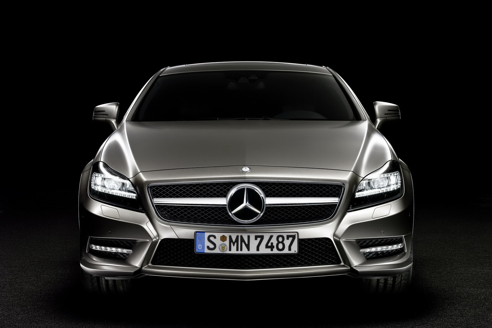 2011 mercedes benz cls350 photos price specifications for Mercedes benz cls price