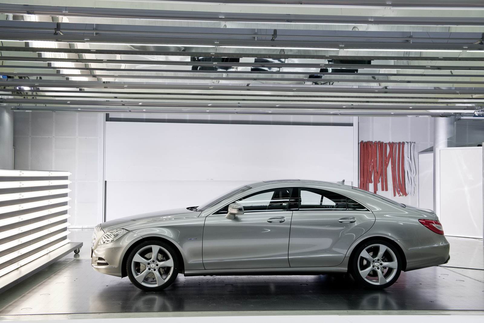 2011 mercedes benz cls350 photos price specifications for Mercedes benz cls 2011