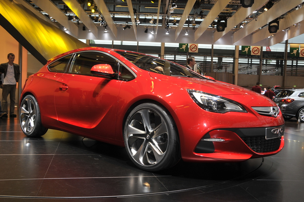 2011 opel astra gtc photos specifications reviews. Black Bedroom Furniture Sets. Home Design Ideas