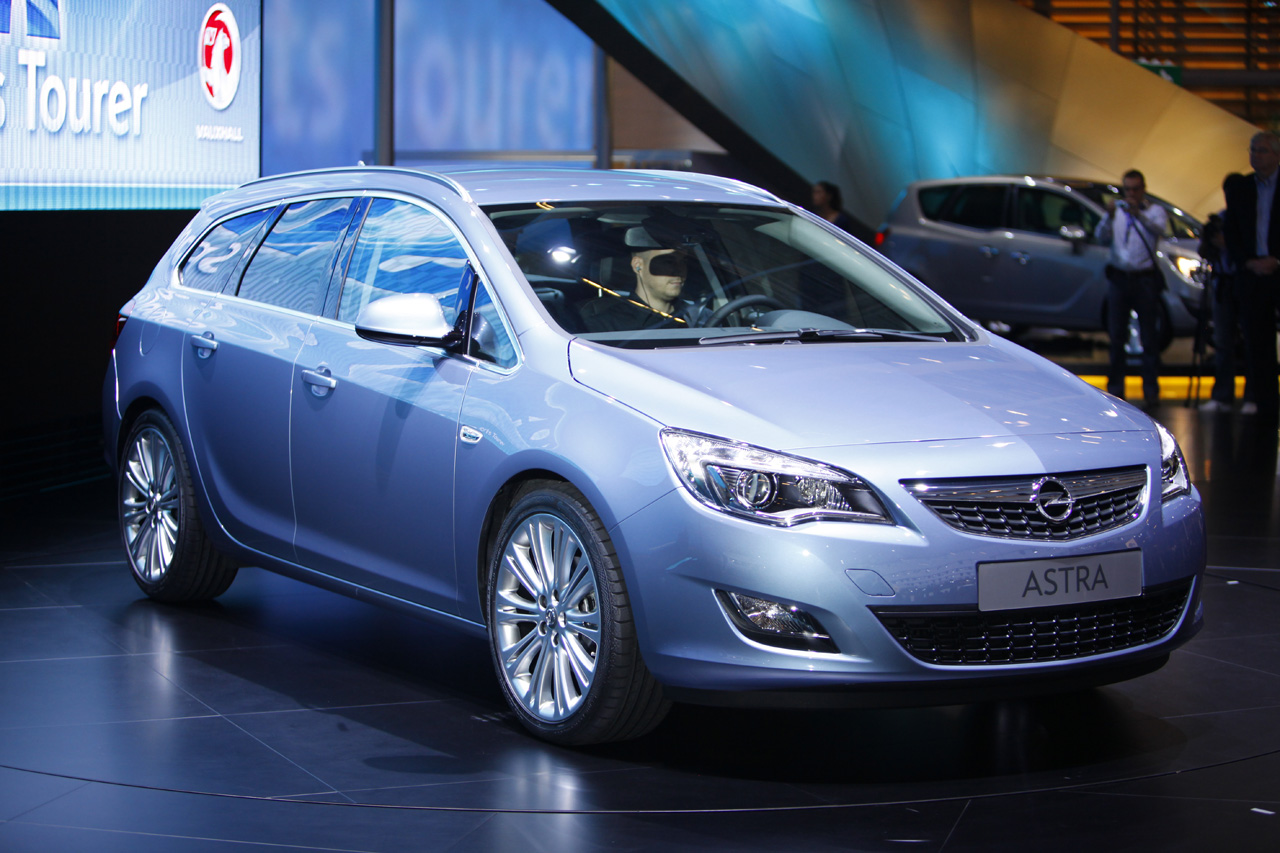 2011 opel astra sports tourer photos price specifications reviews. Black Bedroom Furniture Sets. Home Design Ideas