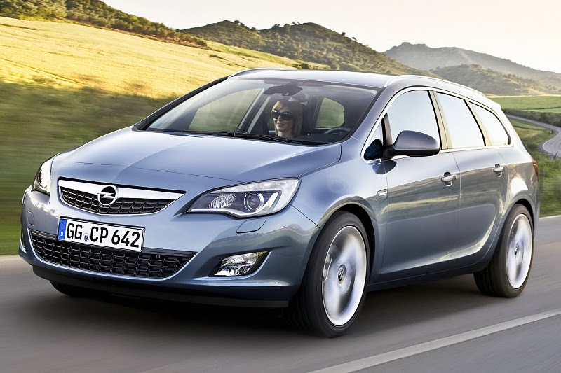 2011 Opel Astra Sports Tourer Front Angle View 2011 Opel Astra Sports Coupe  Photos,Price,Reviews,Specifications