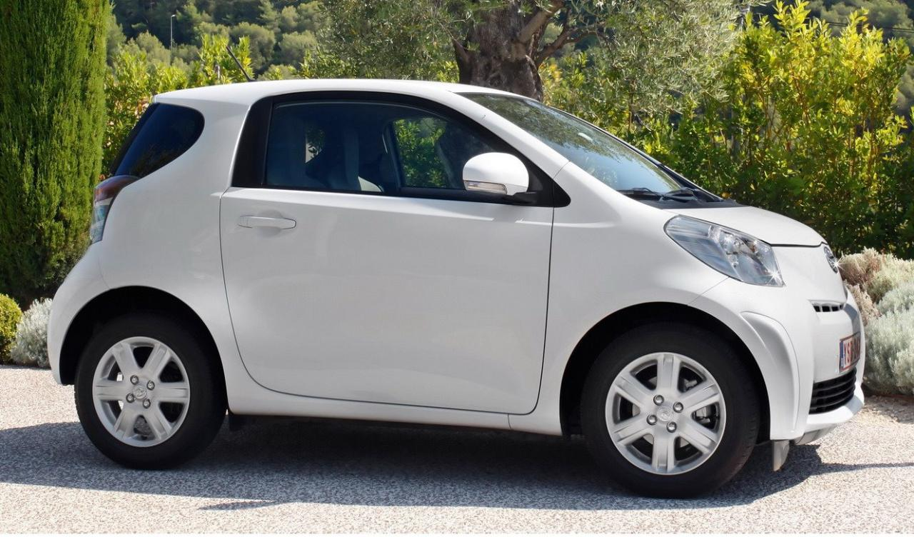 2011 Toyota Iq Photos Price Specifications Reviews