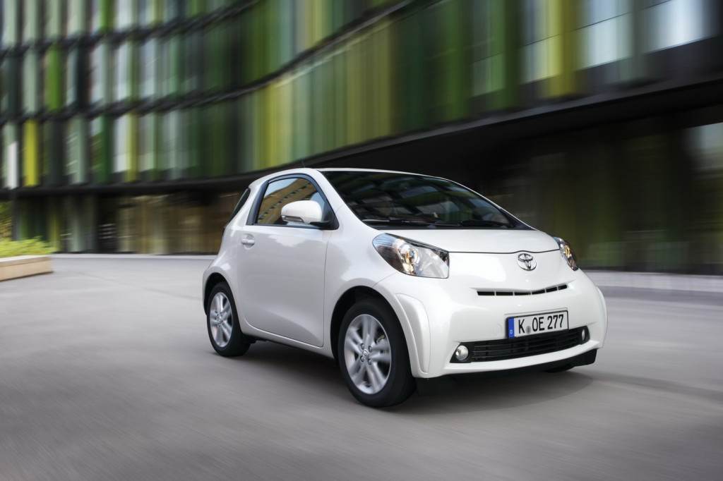 2011 Toyota iQ 25 1024x682 2011 Toyota IQ  Photos,Price,Specifications,Reviews