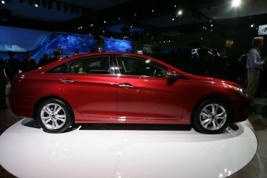 2011 Hyundai Sonata 4 540x360 2011 Hyundai Sonata  Photos,Price,Specifications,Reviews