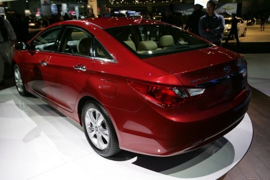 2011 Hyundai Sonata 7 540x360 2011 Hyundai Sonata  Photos,Price,Specifications,Reviews
