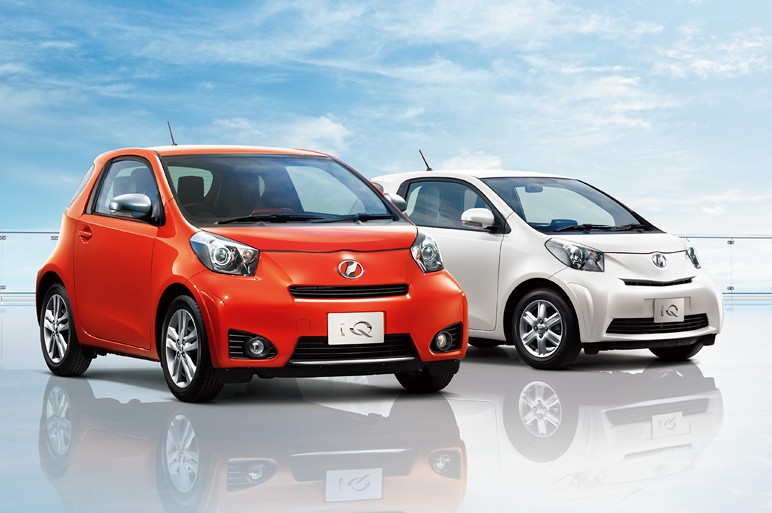 2011 toyota iq 350g 4 2011 Toyota IQ  Photos,Price,Specifications,Reviews