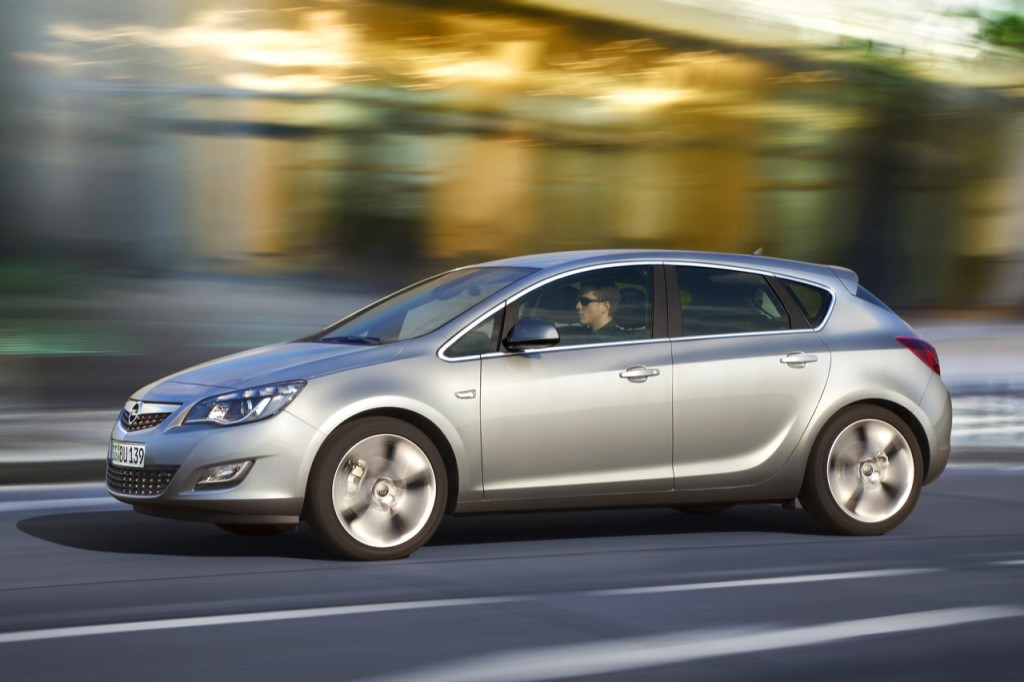 261054 1024x682 2011 Opel Astra Sports Coupe  Photos,Price,Reviews,Specifications