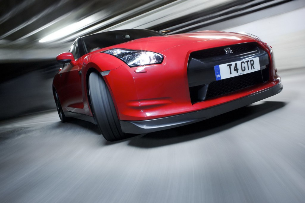Nissan GT R Godzilla 1 1024x680 2012 Nissan GT R  Photos,Price,Specifications,Reviews
