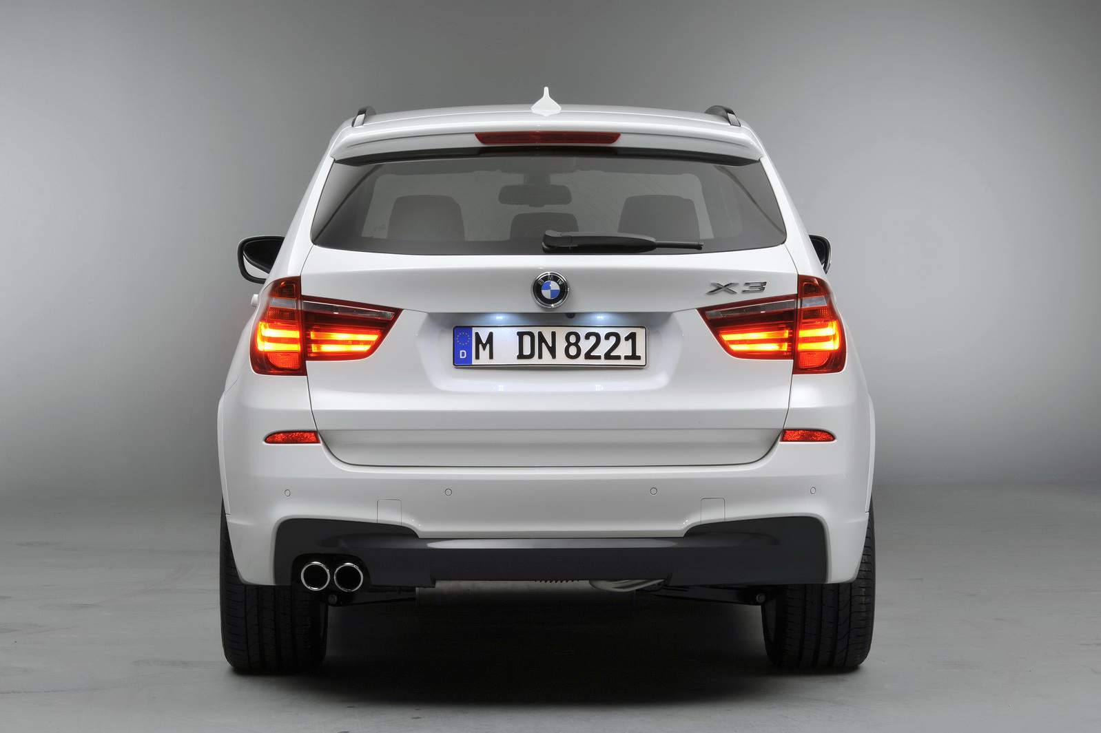 Paris Show Bmw 22 1024x682 5 Series Photos Price Specifications Reviews