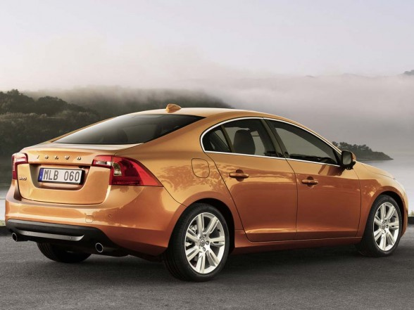 Volvo S60 2011 used car values 588x441 2011 Volvo S60  Photos,Price,Specifications,Reviews