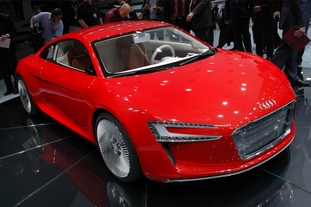 etron1 2011 Audi e tron Spyder  Photos,Price,Specifications,Reviews