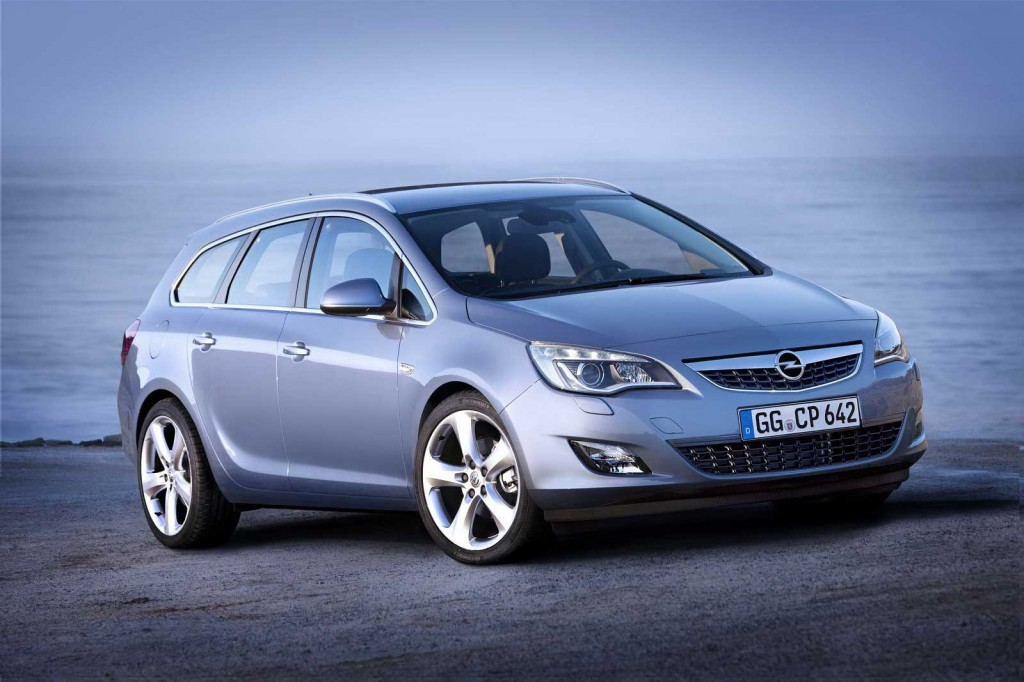 opel astra sports tourer 1 1024x682 2011 Opel Astra Sports Coupe  Photos,Price,Reviews,Specifications