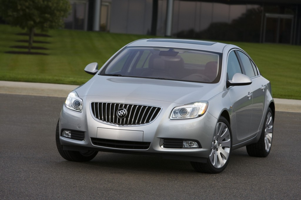 2011 Buick Regal 1 1024x682 2011 Buick Regal  Price,Photos,Specifications,Reviews