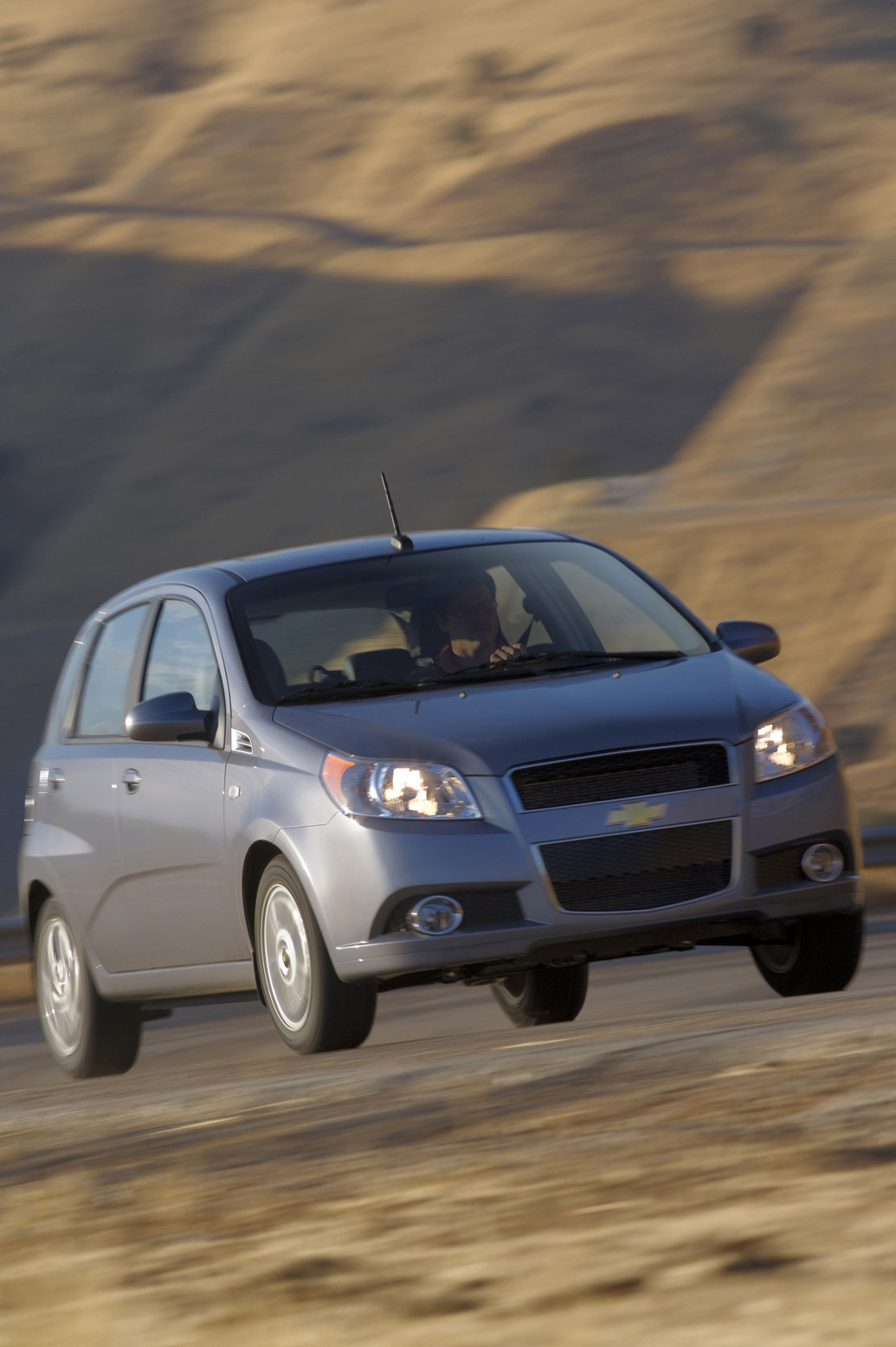 2011 chevrolet aveo 5 doors reviews photos price specifications. Black Bedroom Furniture Sets. Home Design Ideas