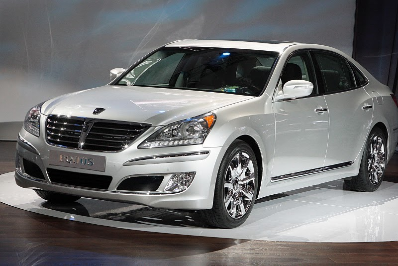 2011 Hyundai Equus Front Side View 2011 Hyundai Equus   Photos, Specifications, Reviews, Price