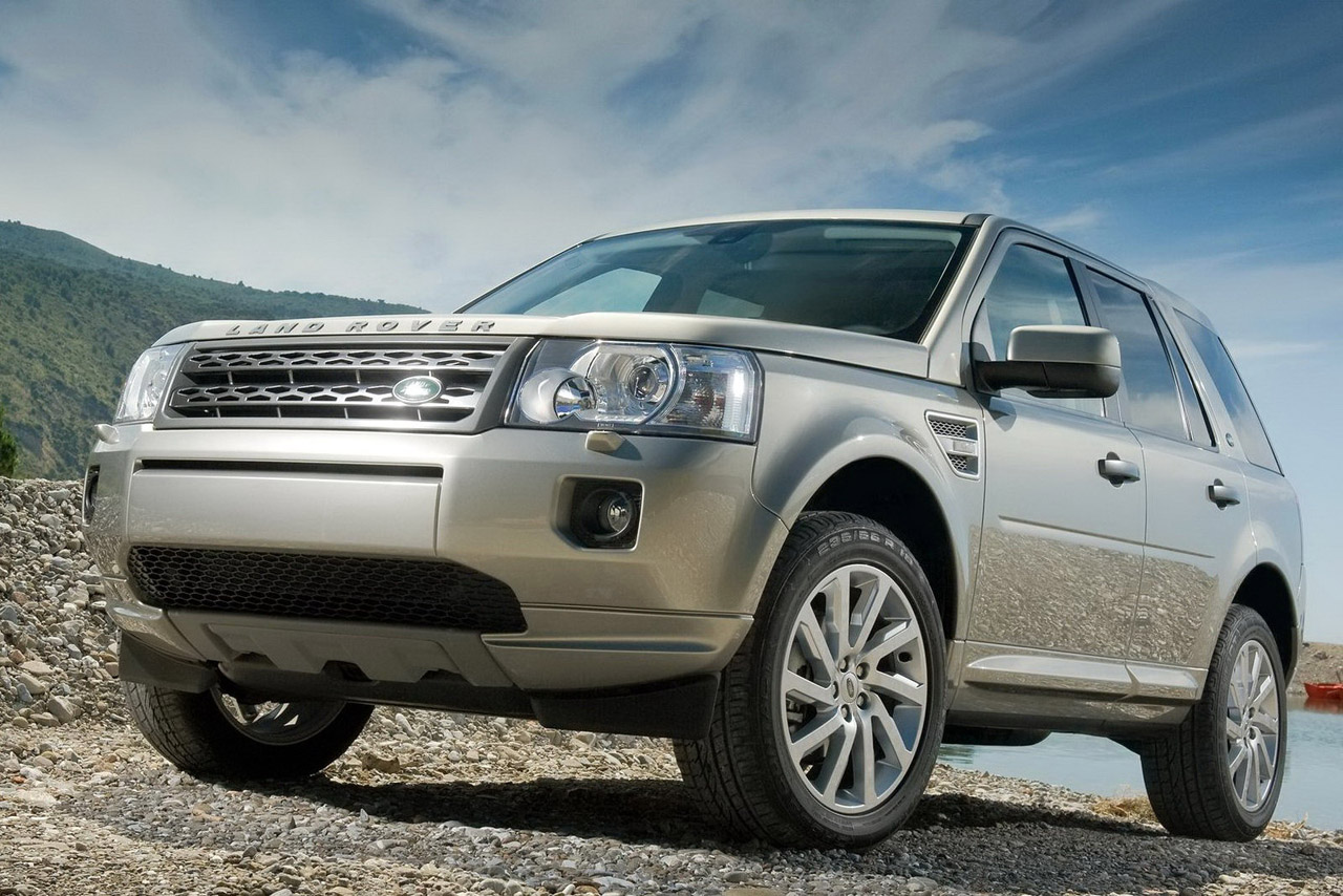 2011 land rover lr2 photos specifications reviews price. Black Bedroom Furniture Sets. Home Design Ideas