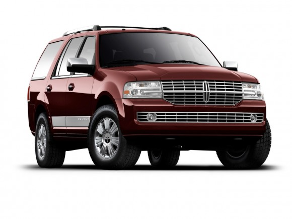 2011 Lincoln Navigator Front Angle 580x435 2011 Lincoln Navigator   Reviews, Photos, Price, Specifications