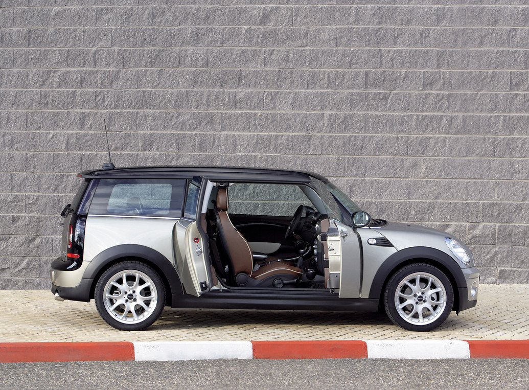 2011 mini clubman photos price specifications reviews. Black Bedroom Furniture Sets. Home Design Ideas