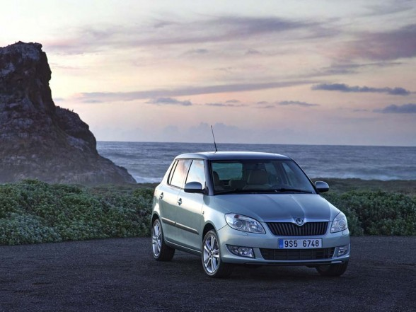 2011 Skoda Fabia price values 588x441 2011 Skoda Fabia   Price, Photos, Specifications, Reviews