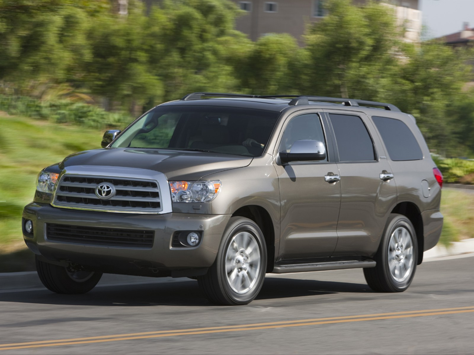2011 Toyota Sequoia Official Photos 2011 Toyota Sequoia   photos, Price, Reviews, Specifications