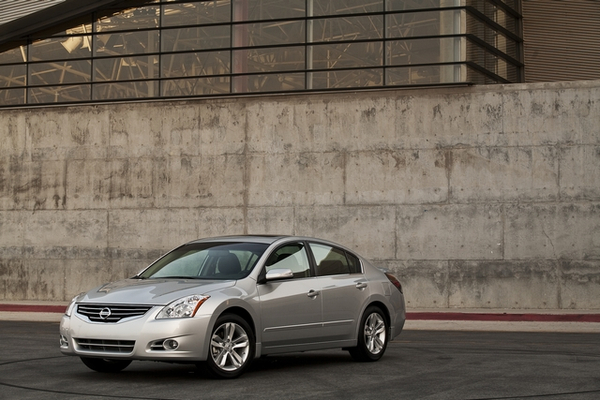 2011 Nissan Altima 2011 Nissan Altima   Price, Photos, Reviews, Specifications
