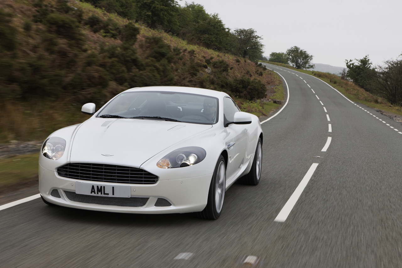 2011 aston martin db9 images 005 2011 Aston Martin DB9   Photos, Specifications, Reviews, Price
