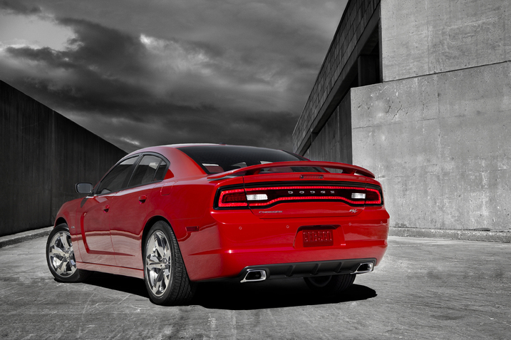 2011 dodge charger r34 thumb 717x477 2011 Dodge Charger RT   Photos, Price, Specifications, Reviews