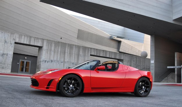 2011 tesla roadster 2 5 australia possible 01 4c2d5094438dc 625x370 2011 Tesla Roadster 2.5  Price,Photos,Specifications,Reviews