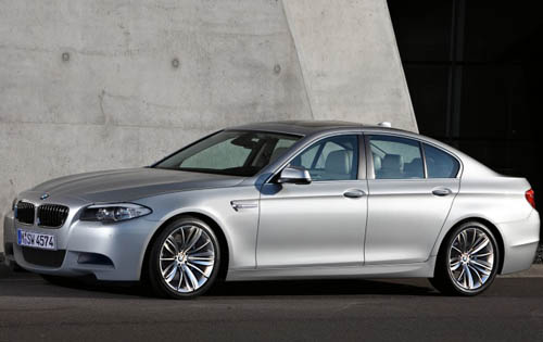 2012 BMW M5 Front Side View 2012 BMW M5   Photos, Price, Specifications, Reviews