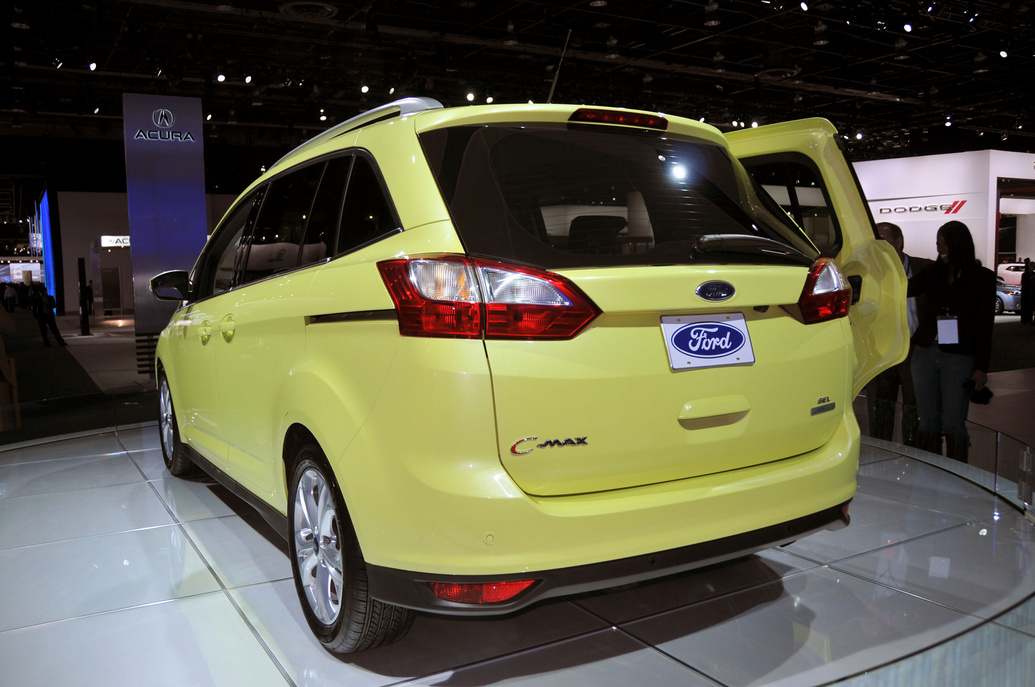 2012 ford grand c max photos price specifications reviews. Black Bedroom Furniture Sets. Home Design Ideas