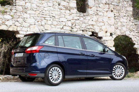 2012 Ford Grand C Max Rear Side View 575x381 2012 Ford Grand C Max   Photos, Price, Specifications, Reviews