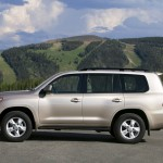 2012 Toyota Land Cruiser (1)