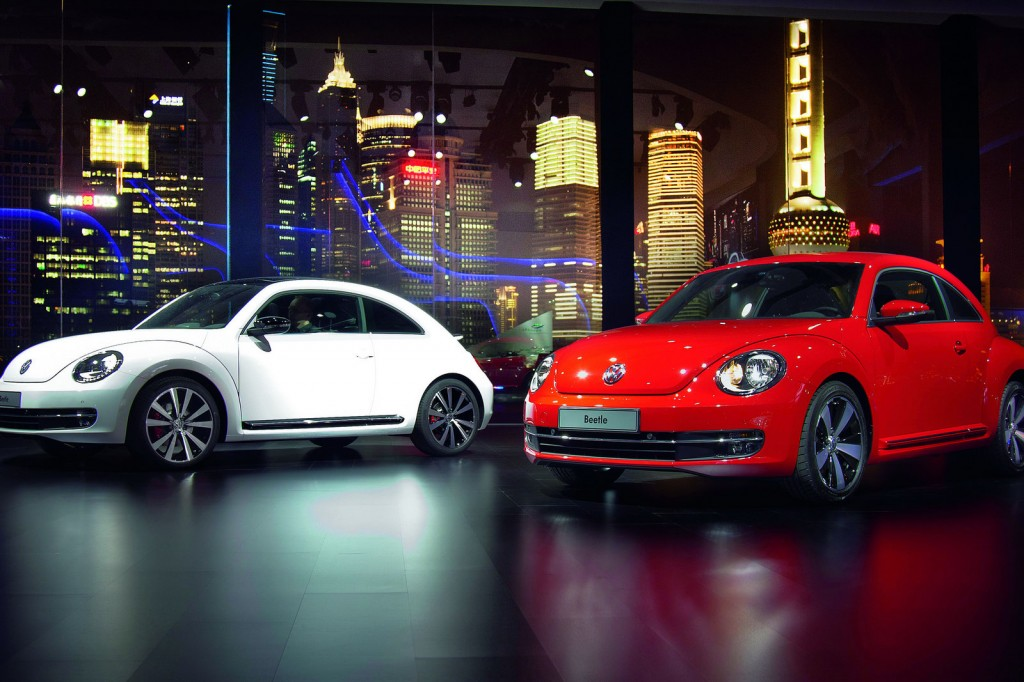 2012 bettle new photos 2 1024x682 2012 Volkswagen Beetle  Photos,Price,Specifications,Reviews