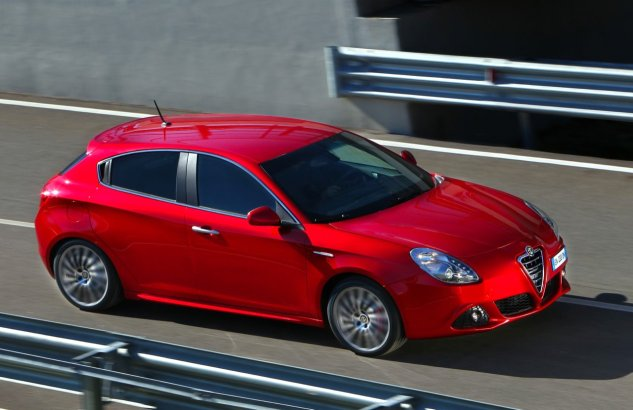 Alfa Romeo Giulia Sedan is almost ready 2012 Alfa Romeo Giulia   Photos, Specifications, Reviews
