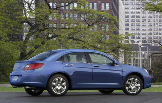 Chrysler Sebring 2010 Rear Side View 670x427 2011 Chrysler Sebring   Reviews, Photos, Specifications, Price