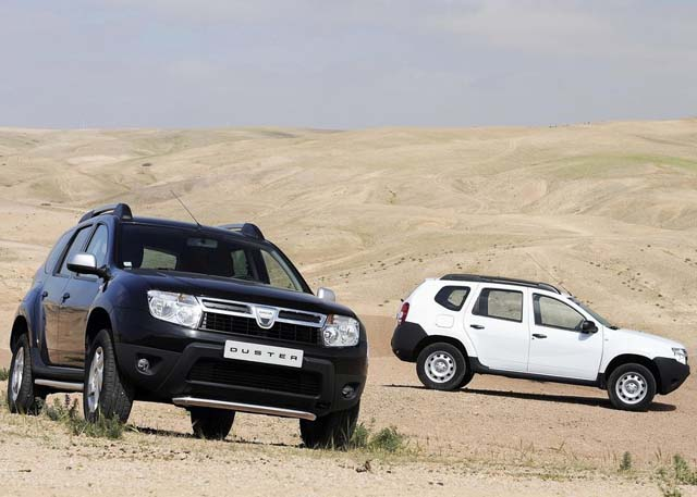 Dacia Duster 2011 Double Colour View 2011 Dacia Duster   Photos, Price, Specifications, Reviews