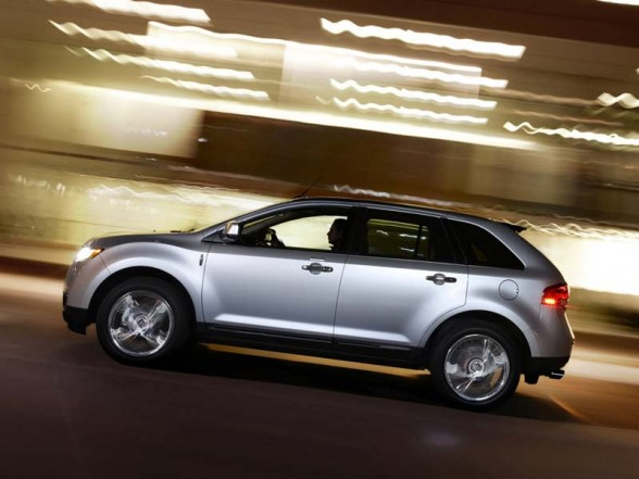 Lincoln MKX used car values 588x441 2011 New Lincoln MKS   Photos, Reviews, Specifications, Price