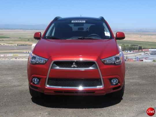 OutlanderSport SS02 540x405 2011 Mitsubishi Outlander Sport   Photos, Price, Specifications, Reviews