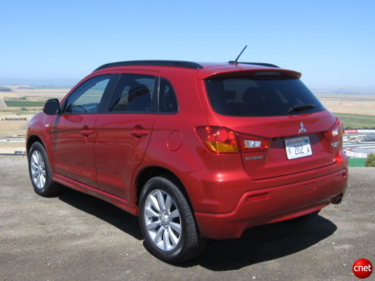 OutlanderSport SS07 540x405 2011 Mitsubishi Outlander Sport   Photos, Price, Specifications, Reviews