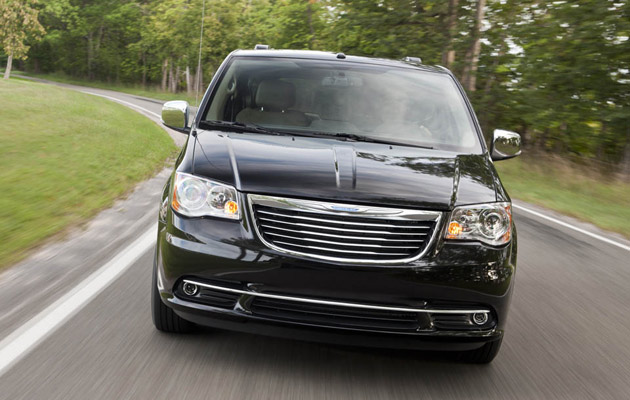 01 2011 chrysler t and c 1284484117 2011 Chrysler Town & Country   Photos, Reviews, Features, Price
