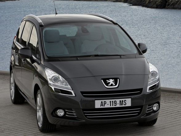 2010 peugeot 5008 New Peugeot 5008   Features, Photos, Price