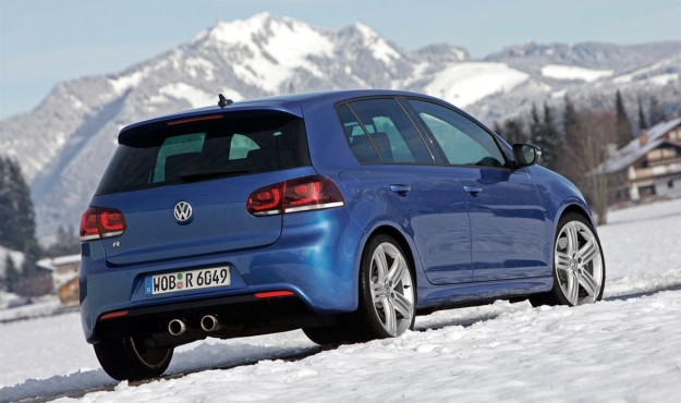 2010 volkswagen golf r austria 02 4b77a53591e8b 625x370 2011 Volkswagen Golf R   Photos, Specifications, Reviews