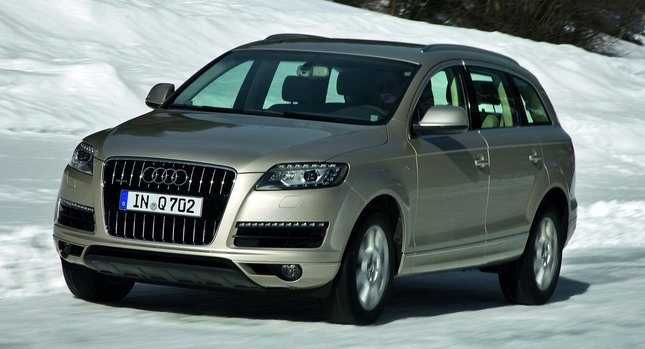 2011 Audi Q7 SUV 0001 2011 Audi Q7   Features, Photos, Review, Price