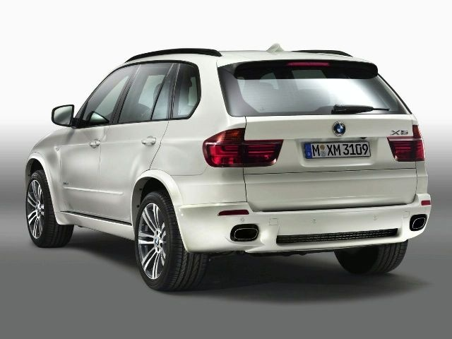 2011 BMW X5 M Pictures