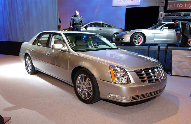 2011 Cadillac DTS – Features, Photos, Price ...