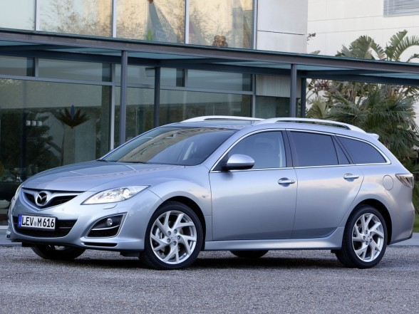 2011 Mazda 6 Wagon Front Side View 588x441 2011 Mazda 6 Wagon   Photos, Reviews, Features